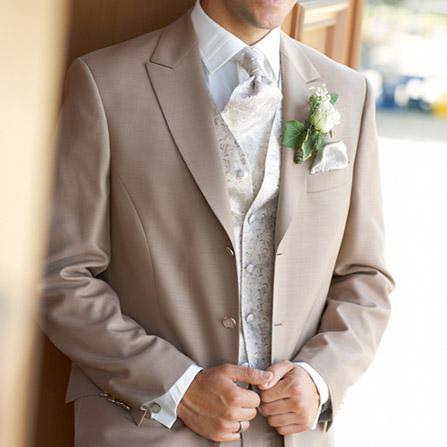 Пошив чоловічих весільних костюмів на замовлення по індивідуальним ... 25b1799ca2be6